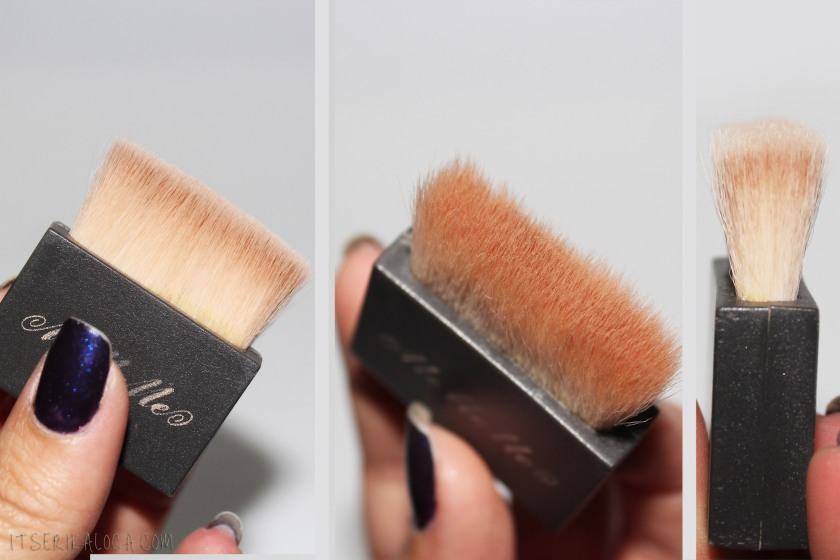 16 MeMeMe Blush Brush