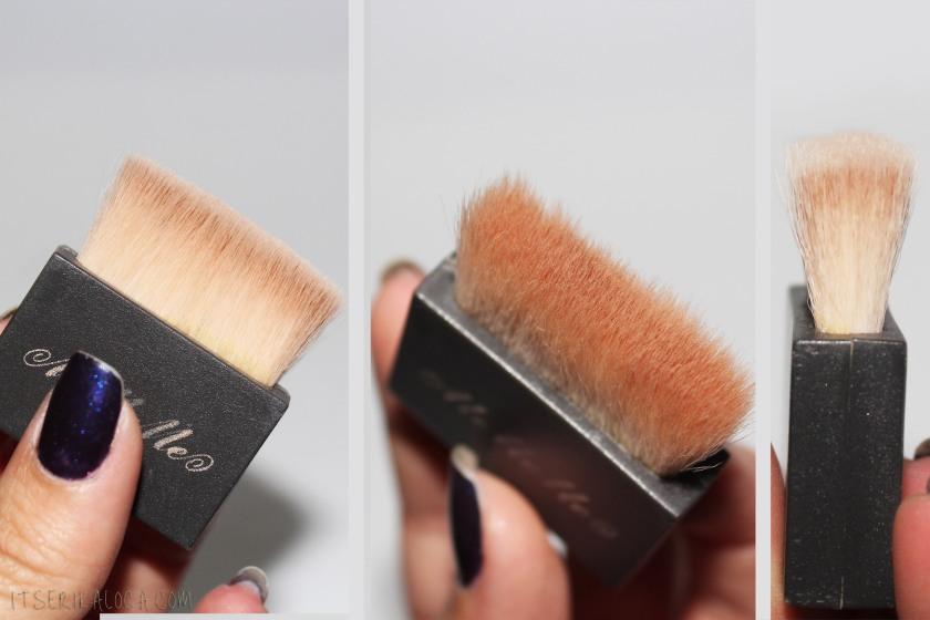 16 MeMeMe Blush Brush